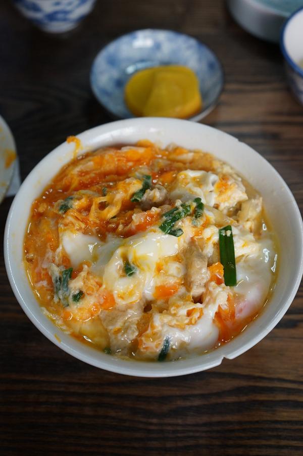 久留米「松尾食堂」で想い出の親子丼と肉丼。