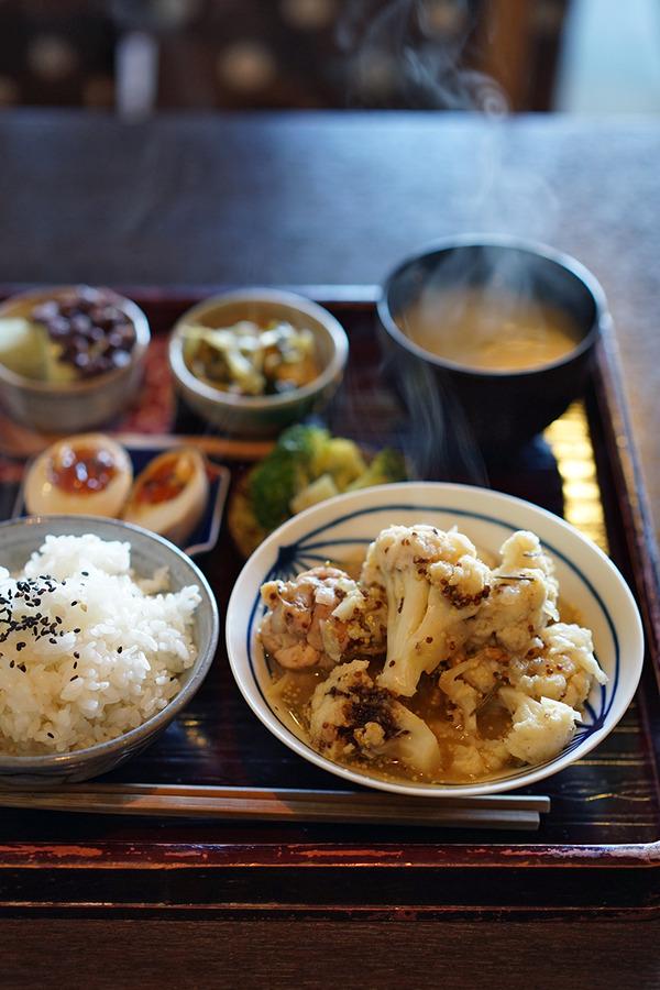 清川「喫茶・喫酒 おまめ」のランチからの「BANKS ALLEY」と高砂「Pin」。
