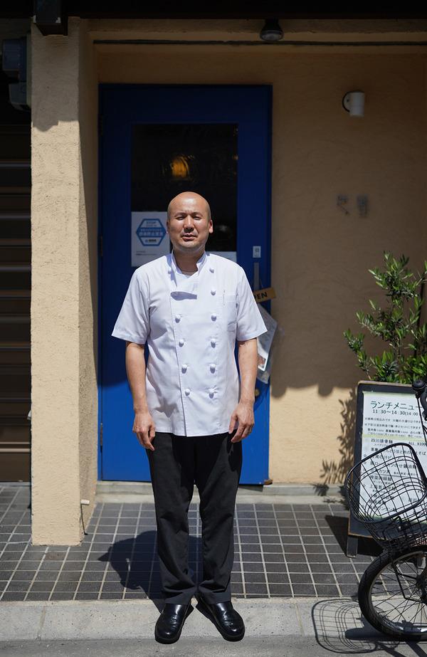 お昼に【四川料理 巴蜀】でアワビ肝バター和えそばと嘉義鶏肉飯からの【珈琲いわくま】。夜は【マルハバ】でチキンカラヒ。