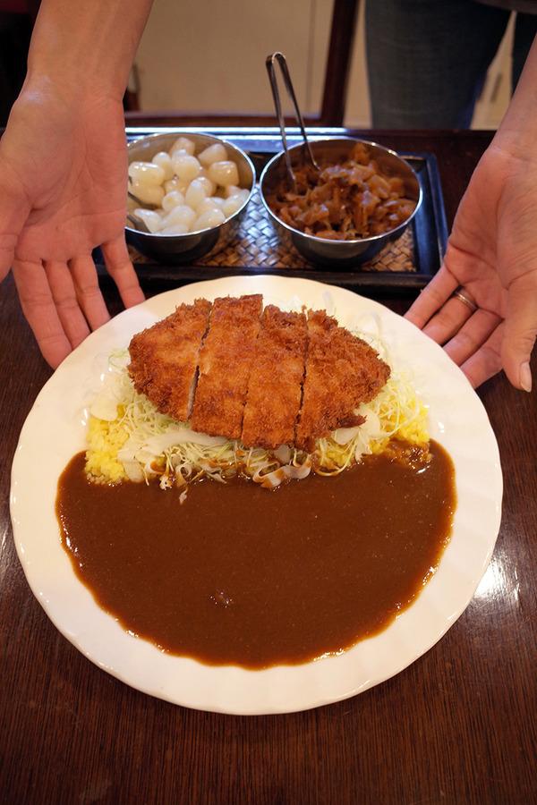上川端「Spice」でチキンカツカレー。
