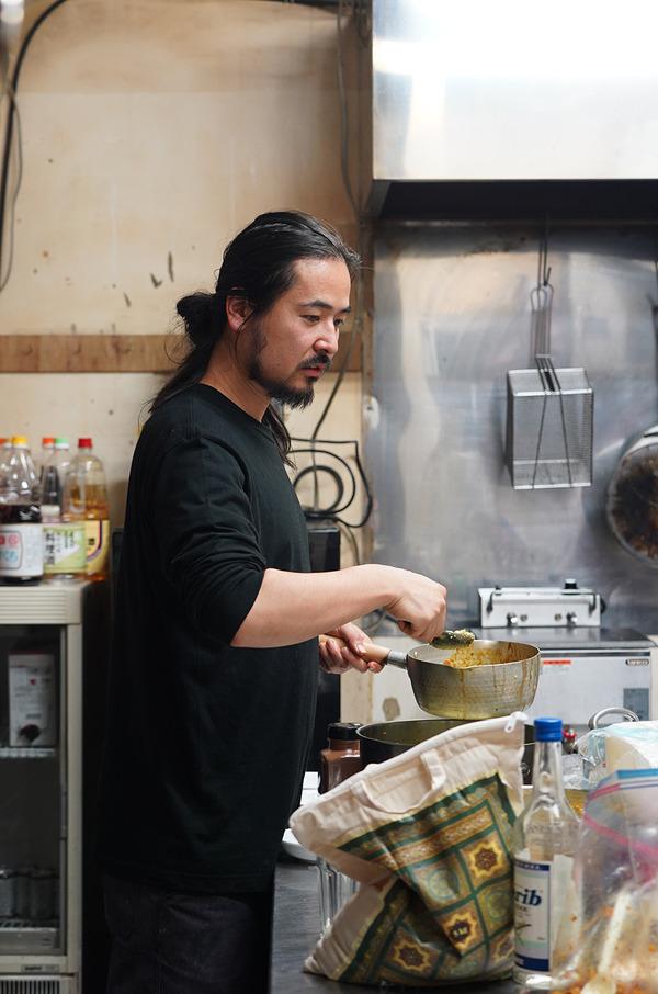 清川【BANKS ALLEY】で『シュワキマセリ』というイベント。【カレーとお酒 banyan】【多め勢】。