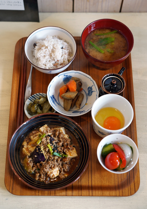 平尾【カフェあぴ】で日替わりランチ。夜は【ちゃんこまる直】で晩ご飯。