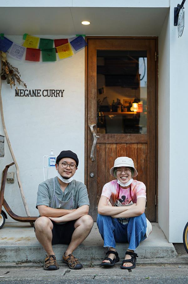 夜は志賀島【MEGANE CURRY】でアジのカレー。昼は【イタリア食堂 SACCO】でパスタ。木曜日夜は『カレバカラジオ』の最終回でした。感謝至極。