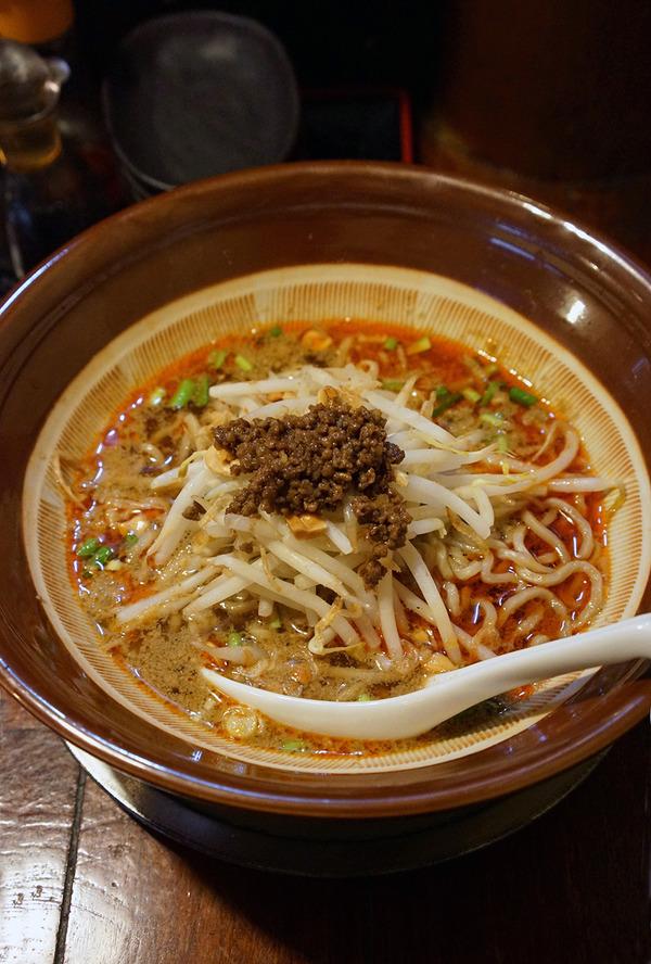 夜は志免町「めん家 鉄」で担担麺と海老炒飯。