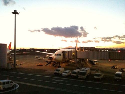 羽田空港から富士山が見えるんだぁ。