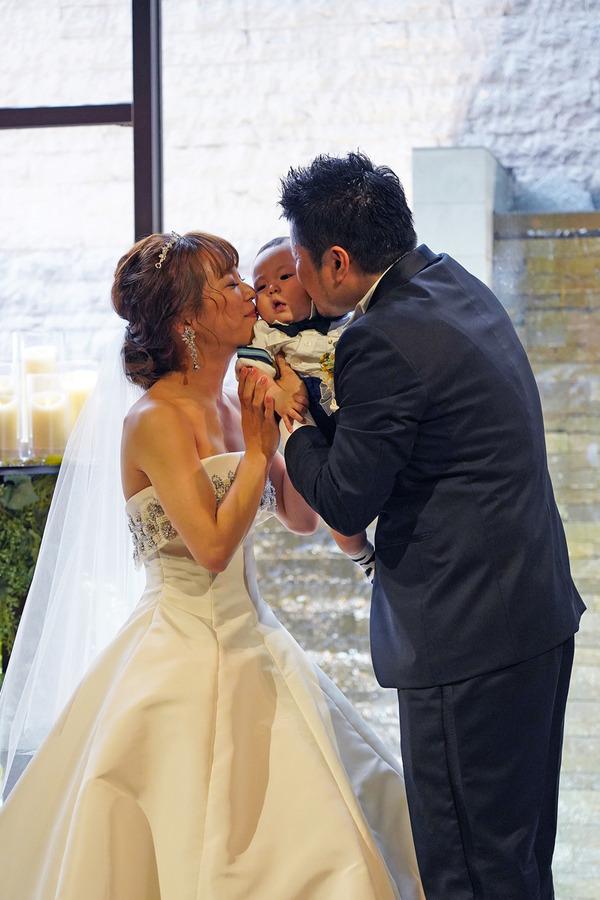 今日は【クボカリー】の久保ちゃん夫妻の結婚式でした。