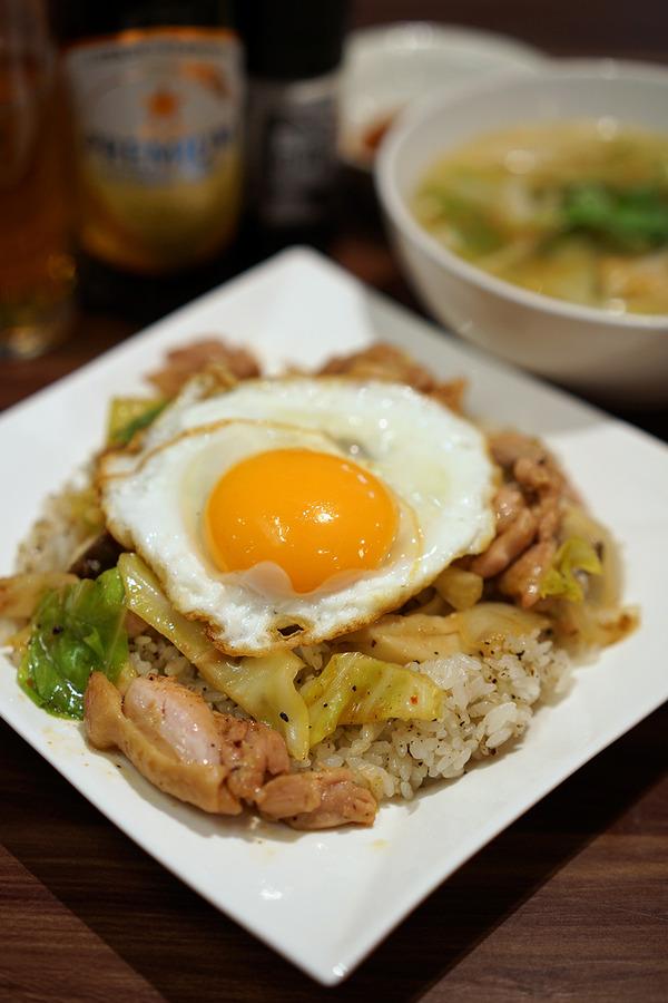 カンボジア家庭料理「シェムリアップ」が吉塚の銭湯に移転していた。からの「Banx River」「うっちゃり食堂」「Pin」。