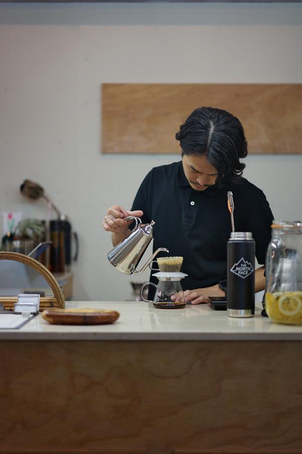 夜は「LULU」と「Cafe檸檬」。昼は「杏仁荘」で週替わりランチ。