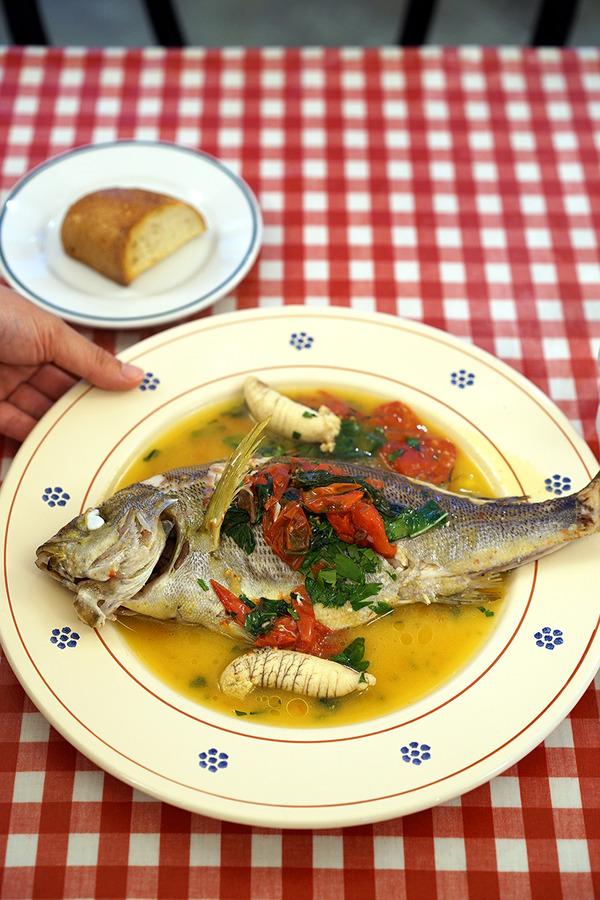 高宮「イタリア食堂 SACCO」でイサキのアクアパッツァ。