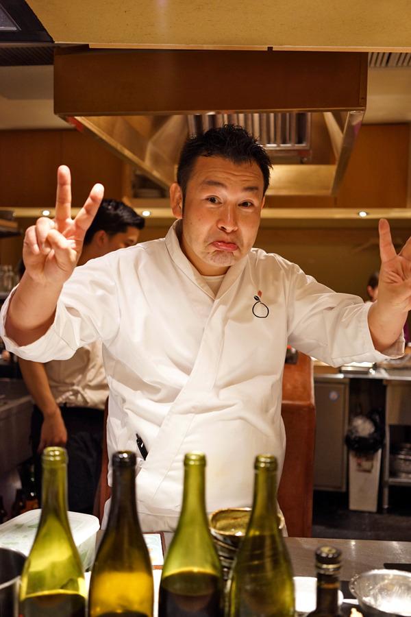「赤坂こみかん」で久留米で新しく焼鳥店を開業するケンジくんと晩ご飯、からの「ワイン食堂プルポ」。昼に「SWEET TIME +PLUS+」。