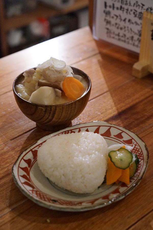 「町屋あかりや」で豚汁からの「ヤジンケ」でパスタ。