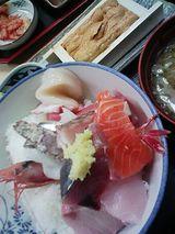 横浜の海鮮丼