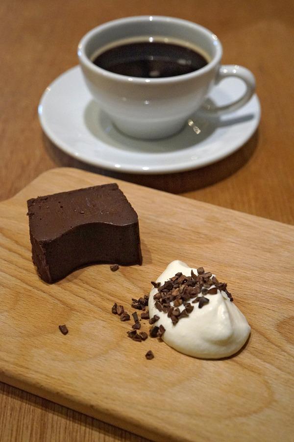 【新店】高宮に出来た「CHOCOLATE BAR」は、カフェバーならぬチョコバー。