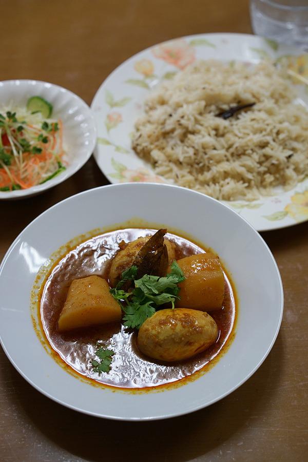 昼に「マルハバ」で玉子とジャガイモのカレーからの「Banx River」「ノスタルジー」「中国菜 隨園」。