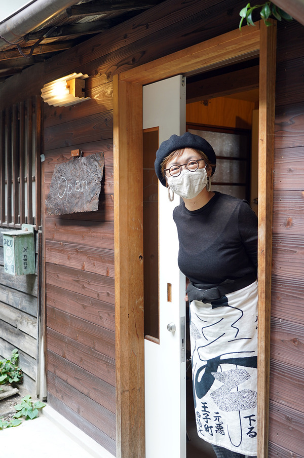 平尾村【フロータン】でチキンカレーからの【ツバメドーナツ】。今夜木曜日22時からは『カレバカラジオ』の生放送です。
