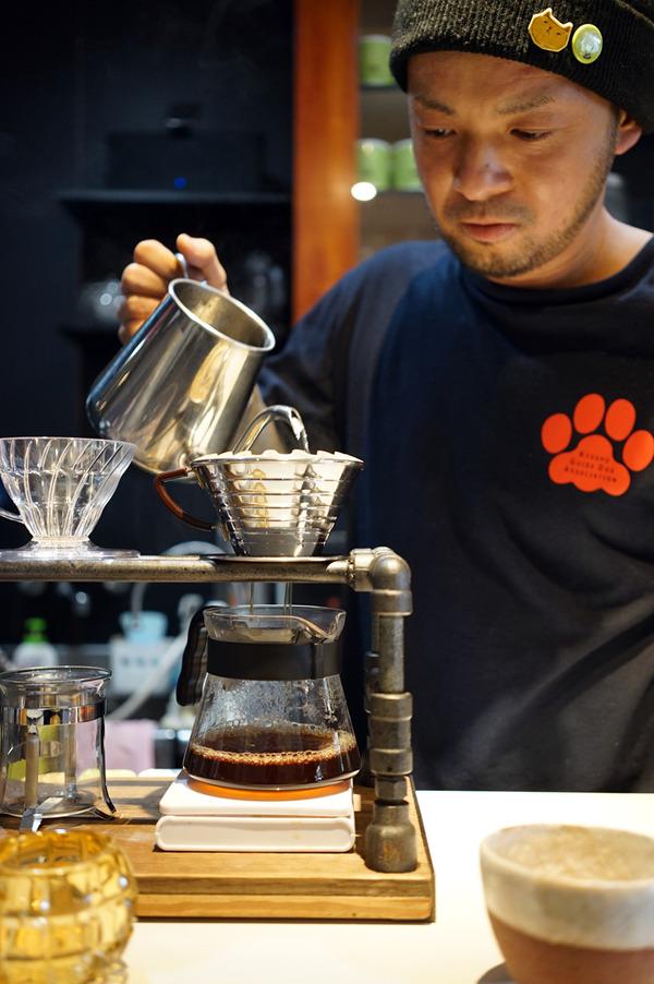 福津市「くつろぎ」で超浅煎りのドリップコーヒー。