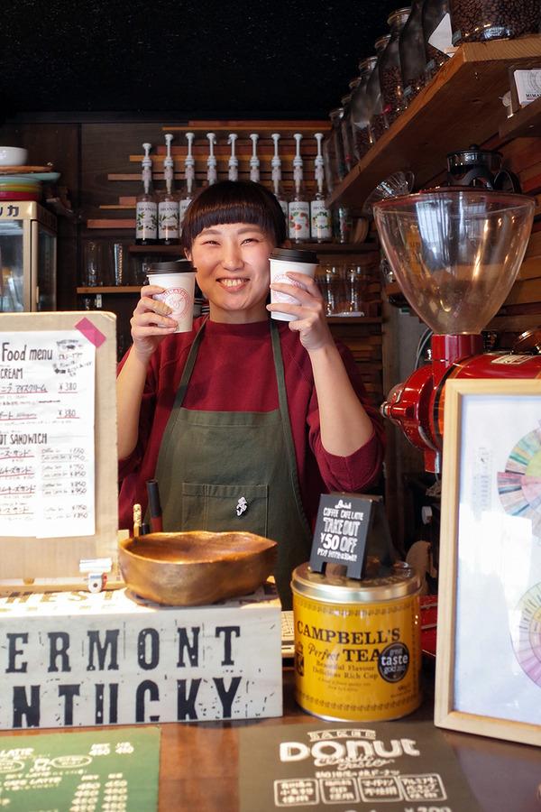 夕方に「MIMATSU Specialty Coffee Roaster」、夜は「情熱の千鳥足CARNE」、「弥太郎うどん」。