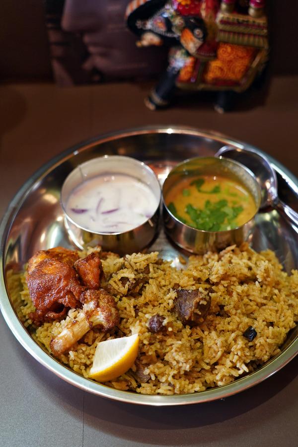 お昼は「インド食堂 ワナッカム」でビリヤニ、からの「COFFEE COUNTY」、夜は月隈の家庭的イタリアン「カンパニョーラ」。