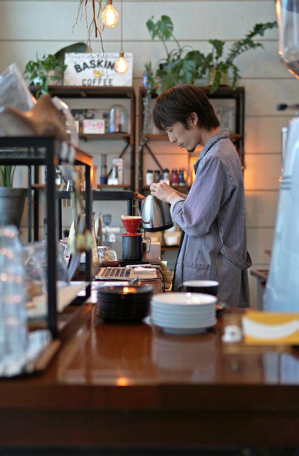 千早「BASKING COFFEE」からの「千早清介」の肉祭り。