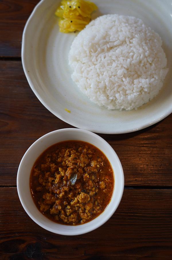 お昼は【みやうら商会】でココナッツキーマ。午後に久留米【3po cafe .home】【キッチンSUWA】。