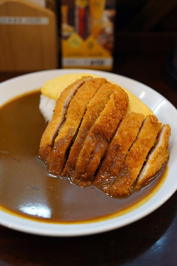 美野島【老舗カレー ボントン】でチキンカツカレーからの【珈琲小林】で試作のイチゴシェイク。お昼は【かえる食堂 蓮】でAセットとBセット。