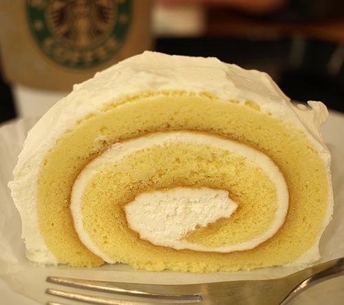 スタバのロールケーキ