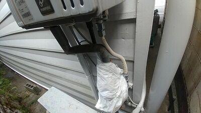 ガス給湯器水道管も巻く