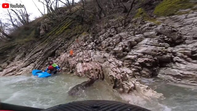 kayakersavesadeer2_640