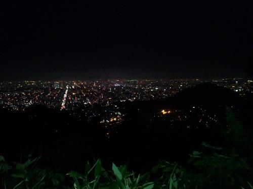 三角山から見下ろした札幌市内 夜間