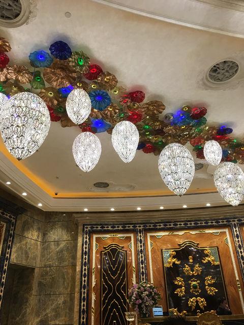 ホテルエントランス天井