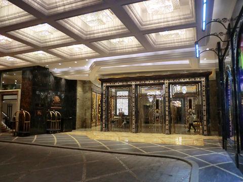 ホテルエントランス4