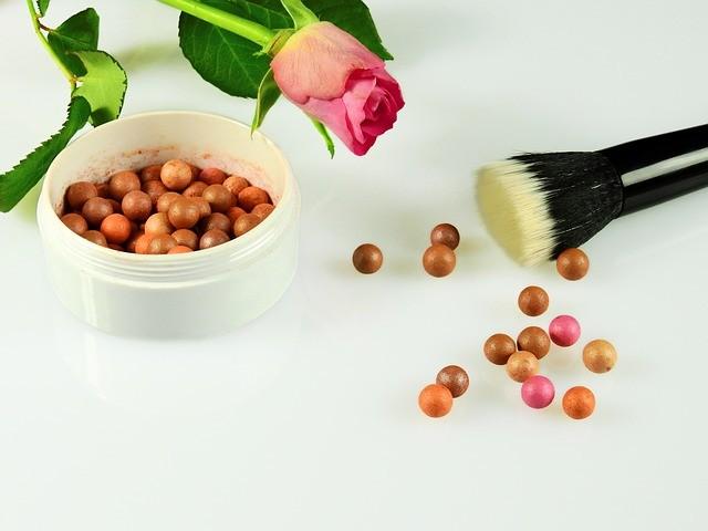 cosmetics-2109963_640