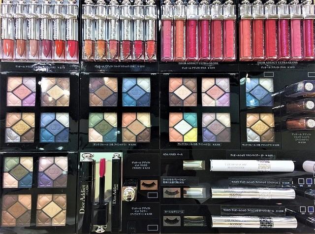 cosmetics-1886970_640