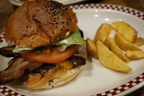 【芝公園】マンチズ バーガーシャック【2】【オフィス街の人気店で食べる絶品ハンバーガー♪】