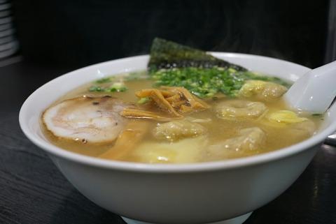 【四ッ谷】支那そば こうや【あのタモリさんが常連のワンタン麺の人気店!】