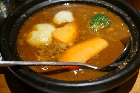【五反田】ホットスプーン【気軽に立ち寄れるカレー屋さん。玉ねぎがじっくり煮込まれた牛すじカレーが食べれます♪】