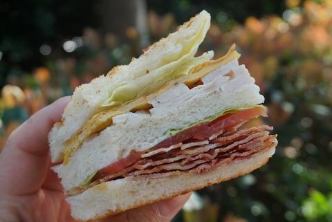 【横浜】ドーレ(DORER)【横浜ベイシェラトンで評判のペストリーショップ!オープンから15時まで限定のサンドイッチがおすすめ!】