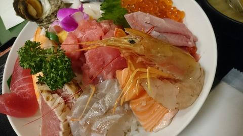 【入谷・鴬谷】さいとう【並んでも食べたい!コスパ最強の海鮮丼が口コミで評判の人気店!】