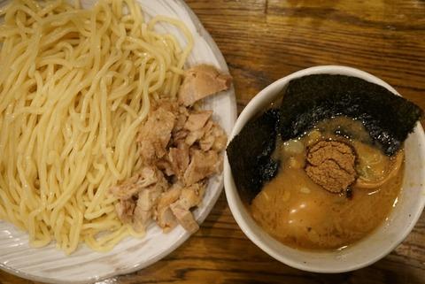 【南新宿】風雲児【行列が途絶えない人気店!濃厚鶏白湯と魚介スープで作られたつけ汁は絶品!】