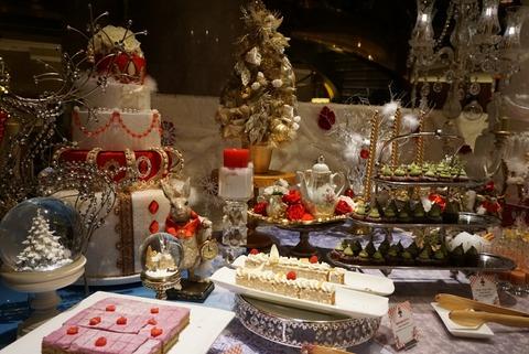 【西新宿】ロビーラウンジ「マーブルラウンジ」【5】【話題のヒルトン東京アリスinクリスマス・マジックのスイーツが食べれちゃうディナービュッフェ♪】