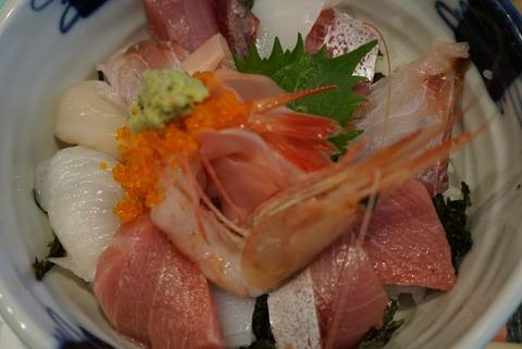 【熱海】海幸楽膳 釜つる【インスタ映え抜群の海鮮丼が食べれる人気店!】