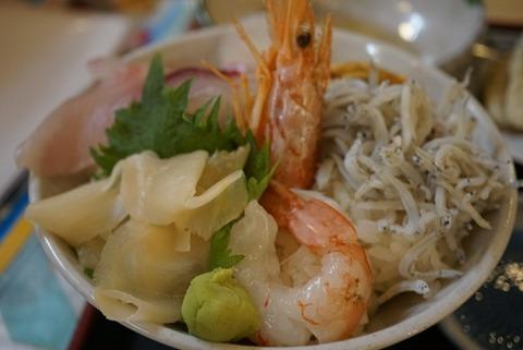 【蒲郡】漁港めし家 牧原鮮魚店【ラグーナフェスティバルマーケットシーサイドレストランで新鮮な魚が食べれるお店】