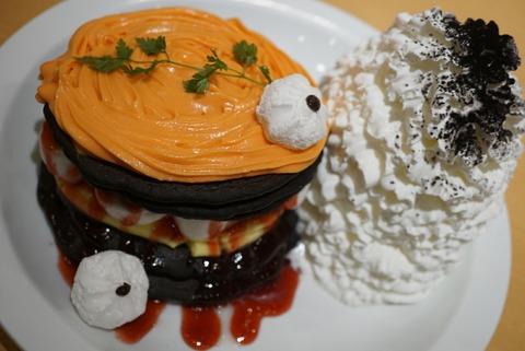 【元町・中華街】エッグスンシングス 横浜山下公園店【ホイップクリームたっぷりのパンケーキが口コミで評価!メディア露出多数の有名店】