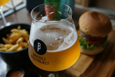 【伊香保石段街】ナイジェルバーガースタンド【インスタで話題!種類豊富なビールとハンバーガーが美味しい人気店】