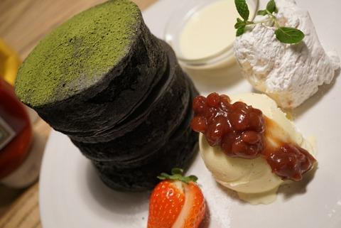 【原宿】BURN SIDE ST CAFE(バーンサイドストリートカフェ)【スフレパンケーキが口コミで評判の人気店!SNS映え抜群の黒いパンケーキがオススメ!】
