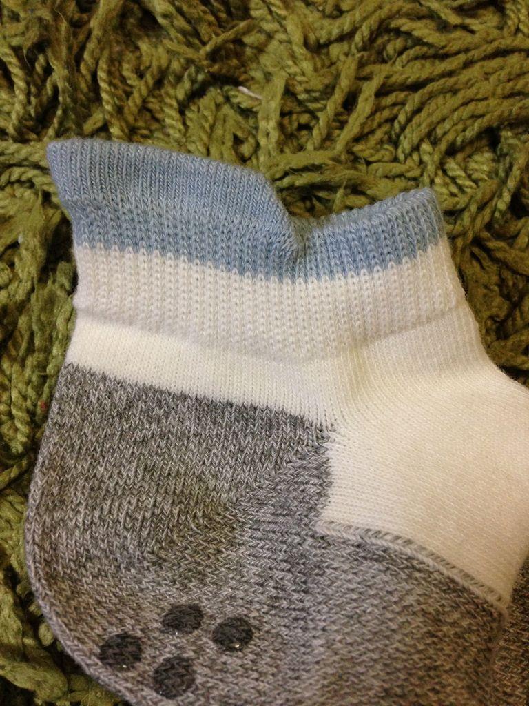 そして子供用の靴下のこの履きぐちのつまみ部分。