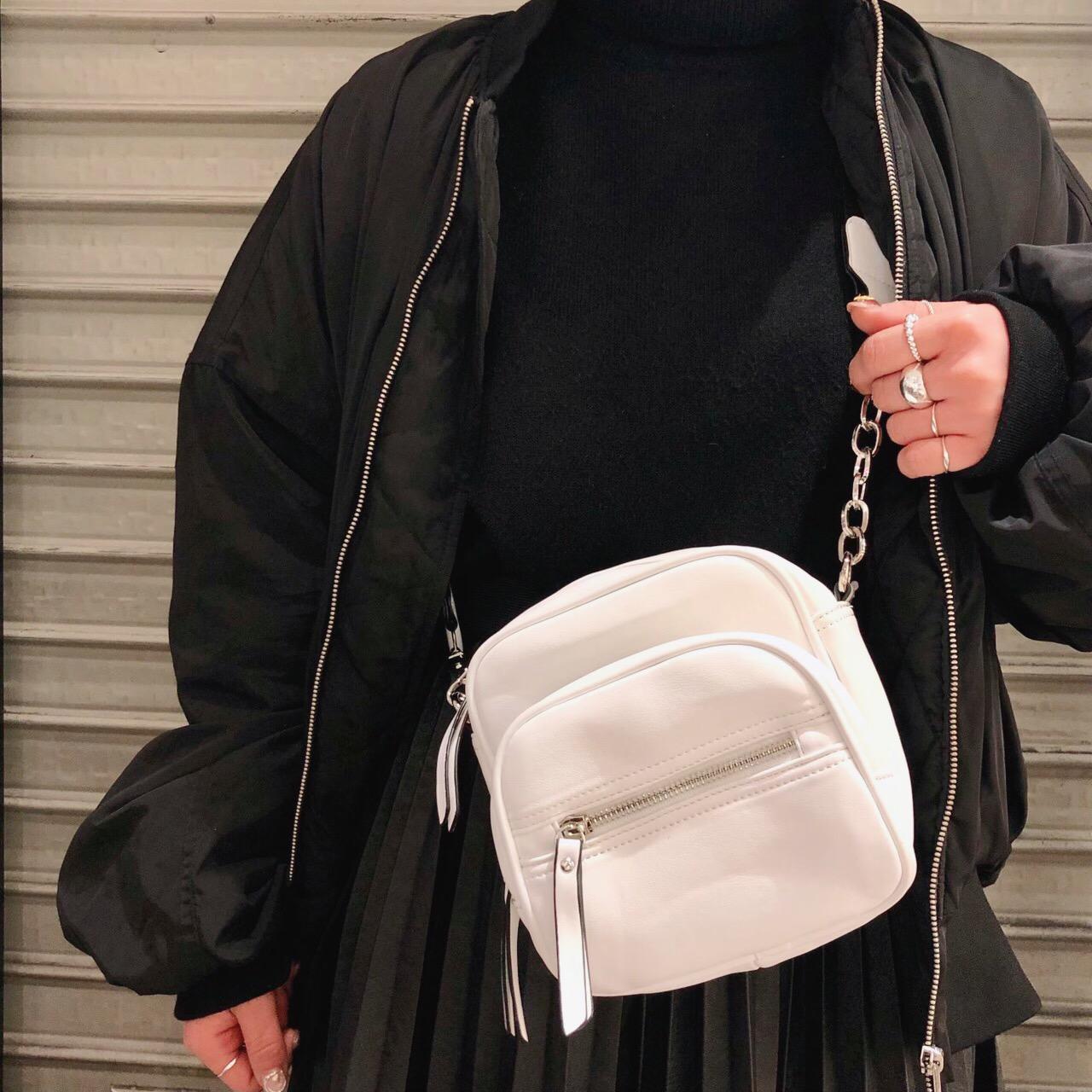 【本日発売開始】注目のショルダーバッグ