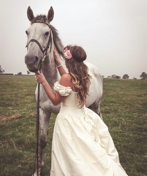 HORSE 0514 GIRL 芦毛