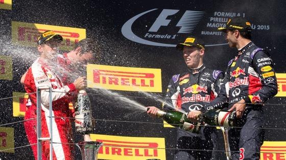 セバスチャン・ベッテル、ダニエル・リチャルド、ダニール・クビアト: 2015年F1ハンガリーGP 表彰台