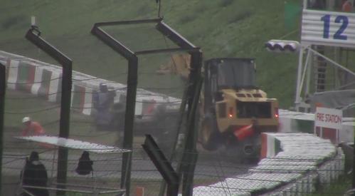 ジュール・ビアンキのクラッシュの瞬間動画: F1日本GP